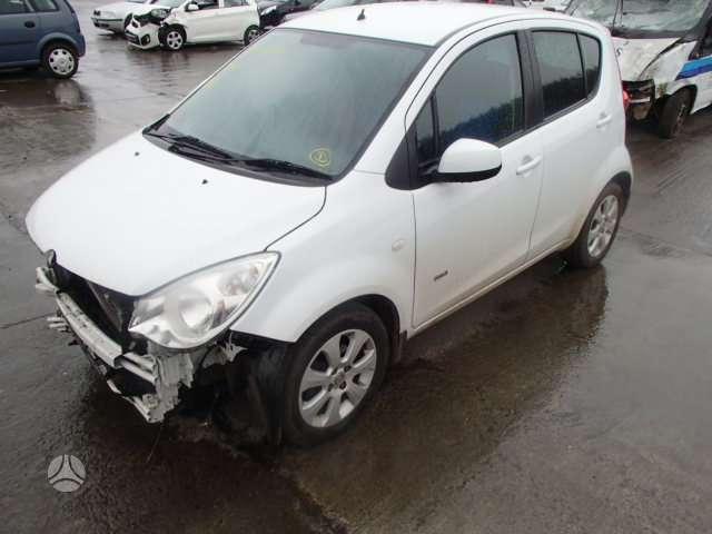 Opel Agila dalimis
