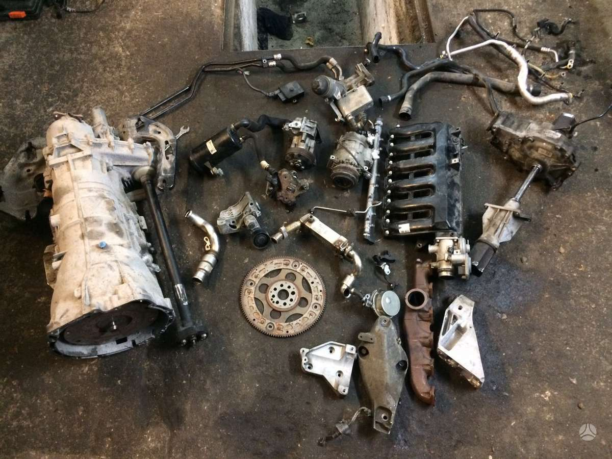 BMW X5. Viskas aplink variklį, greičių dėžė (6hp-28x) , rida 120.