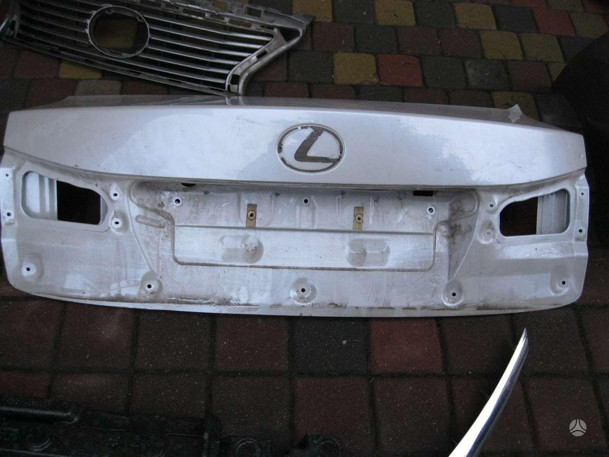 Lexus IS 250. ---- variklio apsauga------ viršutinės  groteles---