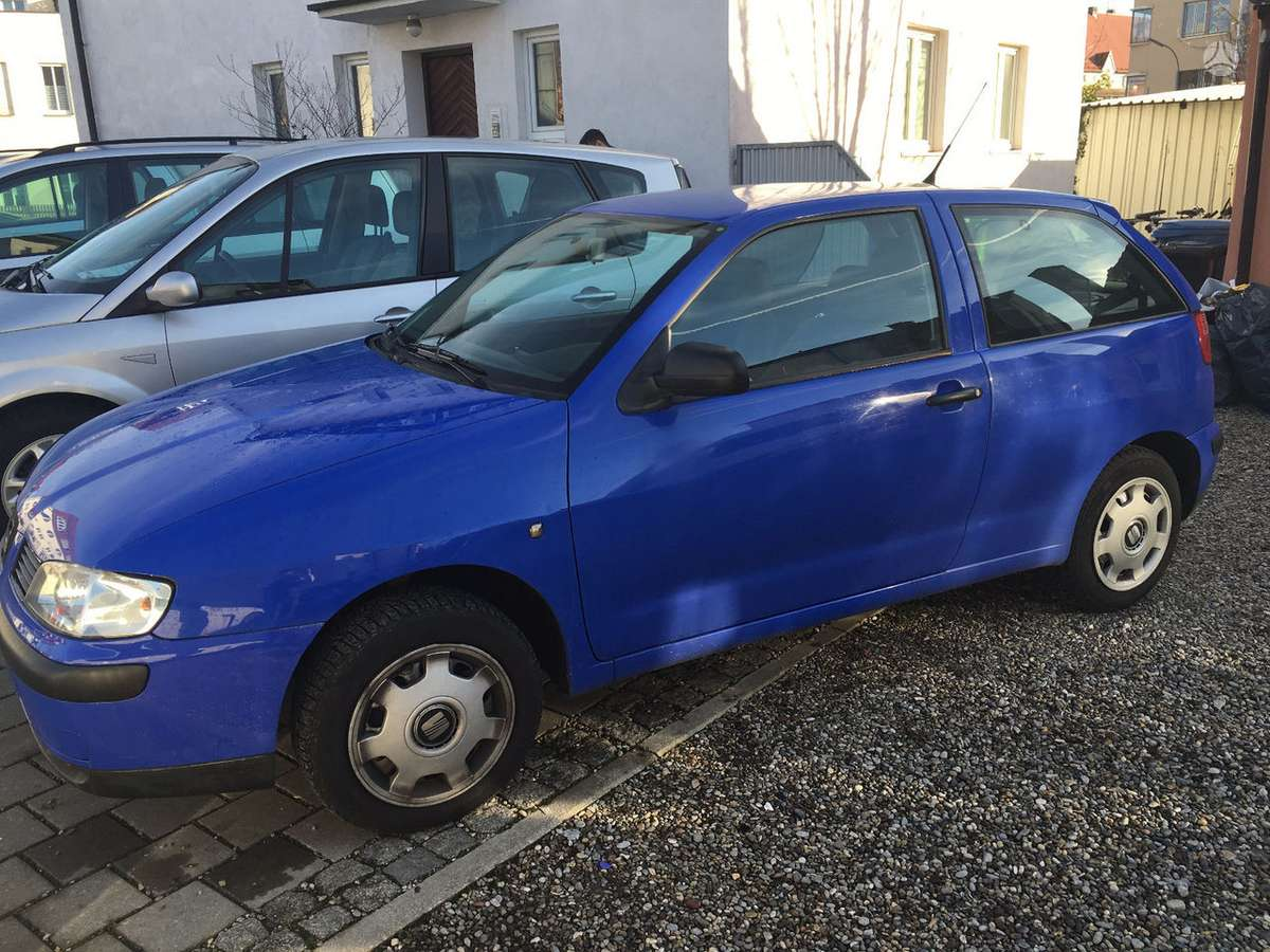 Seat Ibiza. Seat ibiza 1,4 dalimis