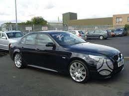 BMW 5 serija. Pusiau oda juodas salonas,juodos lubos be liuko.