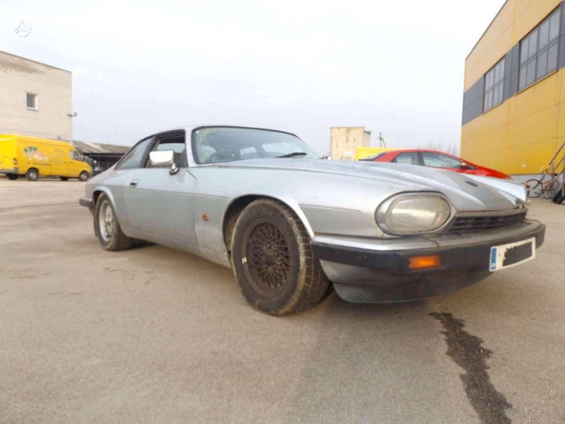 Jaguar XJS dalimis. *turime daugiau ardomų automobilių. *detalių