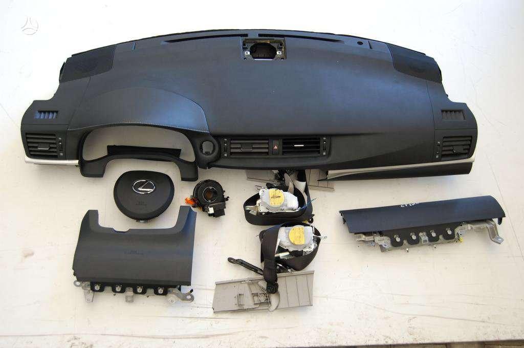 Lexus CT 200h dalimis.  vilnius - kaunas