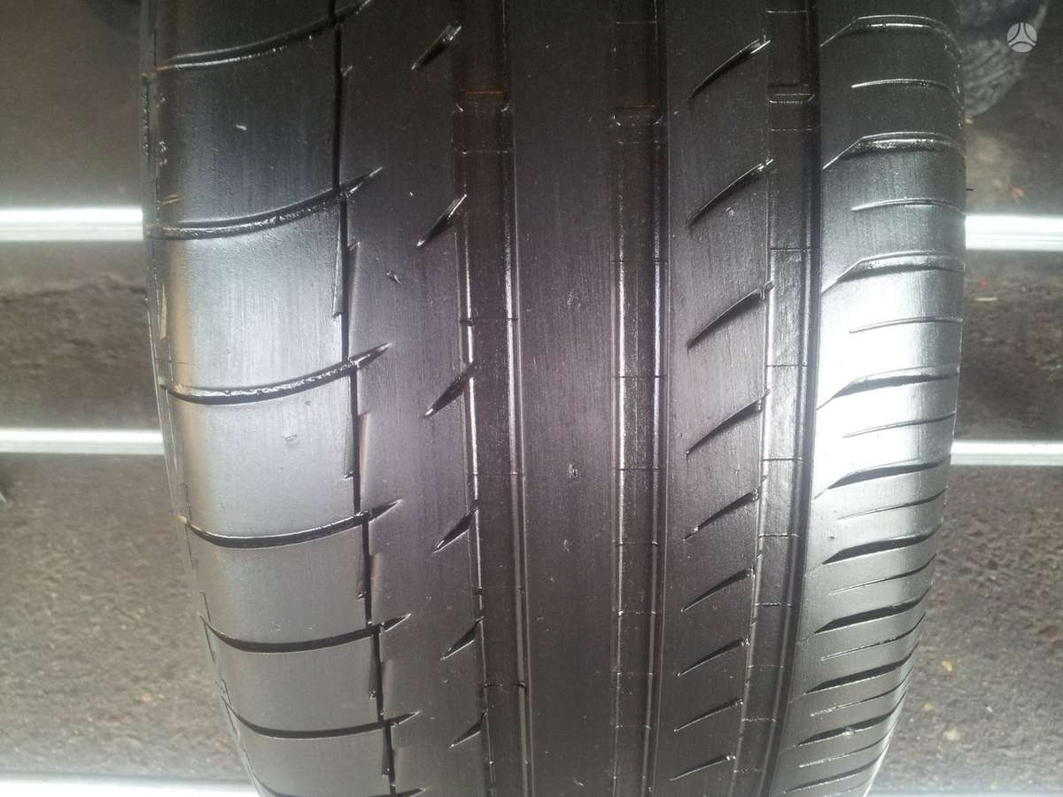 Michelin PIlot Sport P32 apie 6,5mm, vasarinės 235/45 R18