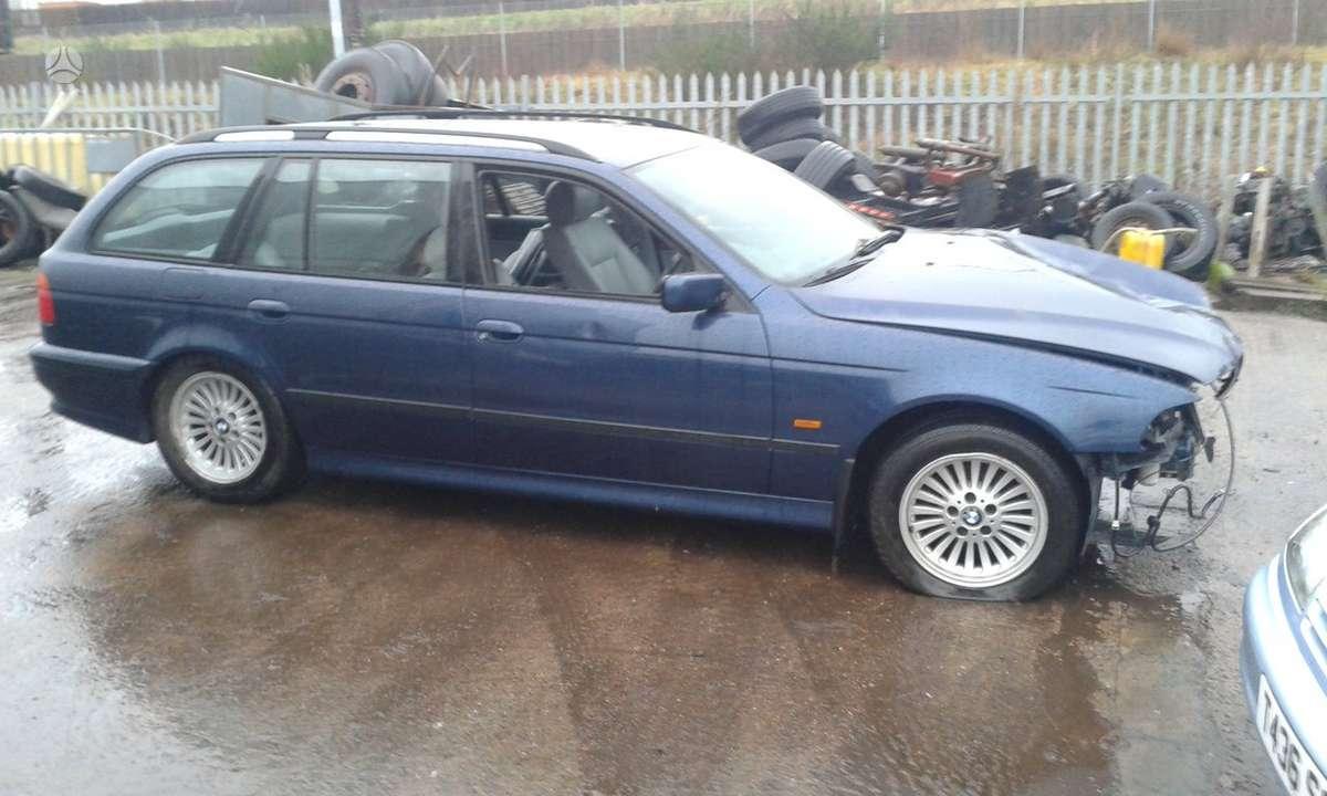 BMW 5 serija dalimis. 1998 bmw 530 dyzelis ir 540 benzinas (