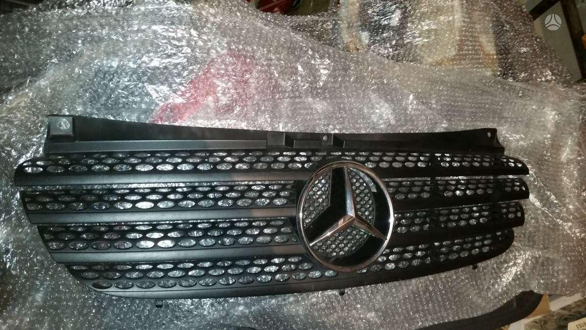 Mercedes-Benz ML klasė.  groteles