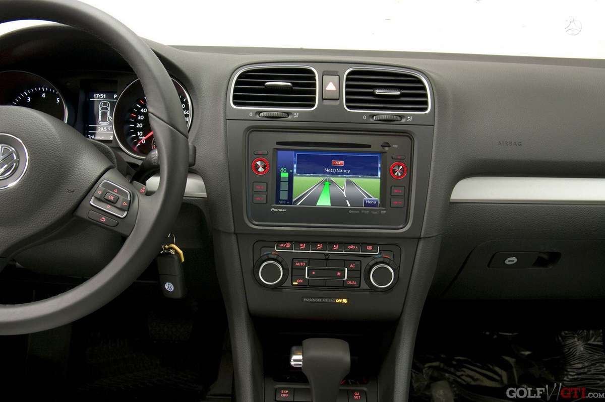 Pioneer AVIC-F9210BT Tinka VW/ SKODA/ SEAT, multimedija su navigacija