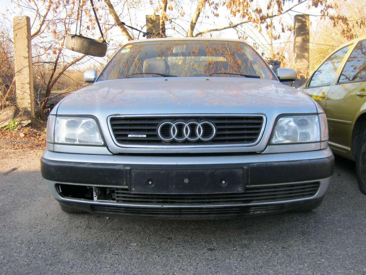 Audi A6 dalimis. Audi 2.6 ..visi varantys ratai.variklis ardomas
