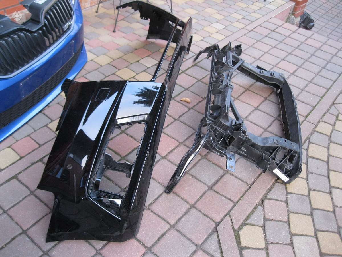 Audi A3. -- radijatorius------buferiai--- turbina--halogenas----