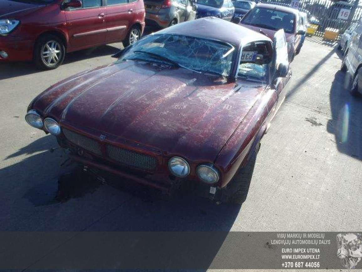 Jaguar XJ dalimis. Automobilis ardomas dalimis:  запасные части