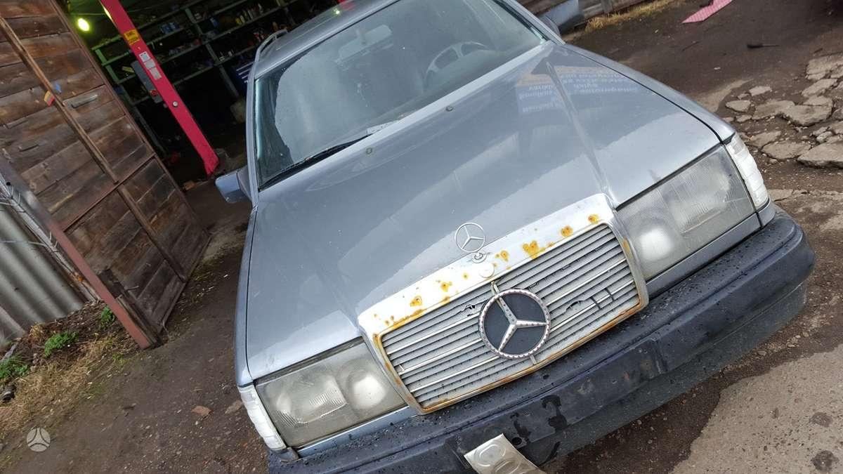 Mercedes-Benz E250 dalimis