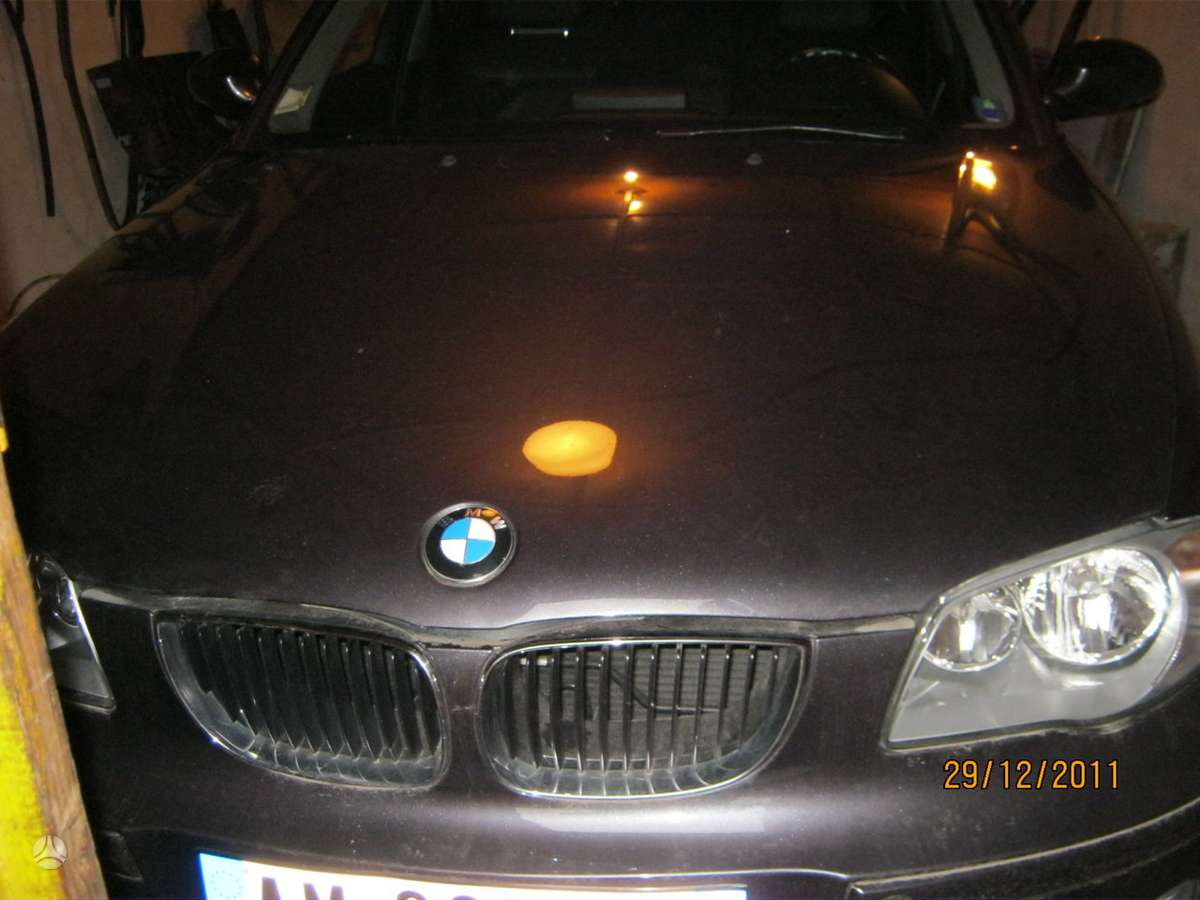 BMW 120 dalimis. R19 lieti ratai