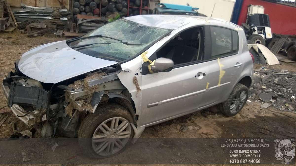 Renault Clio dalimis. Automobilis ardomas dalimis:  запасные час