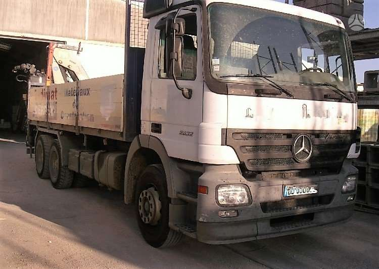 Mercedes-Benz Actros 2632 6x4 su 19t/m kranu, su kranu