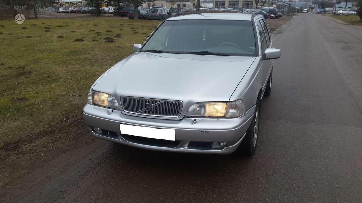 Volvo V70. Automobilis parduodamas dalimis. galime pasiūlyti į