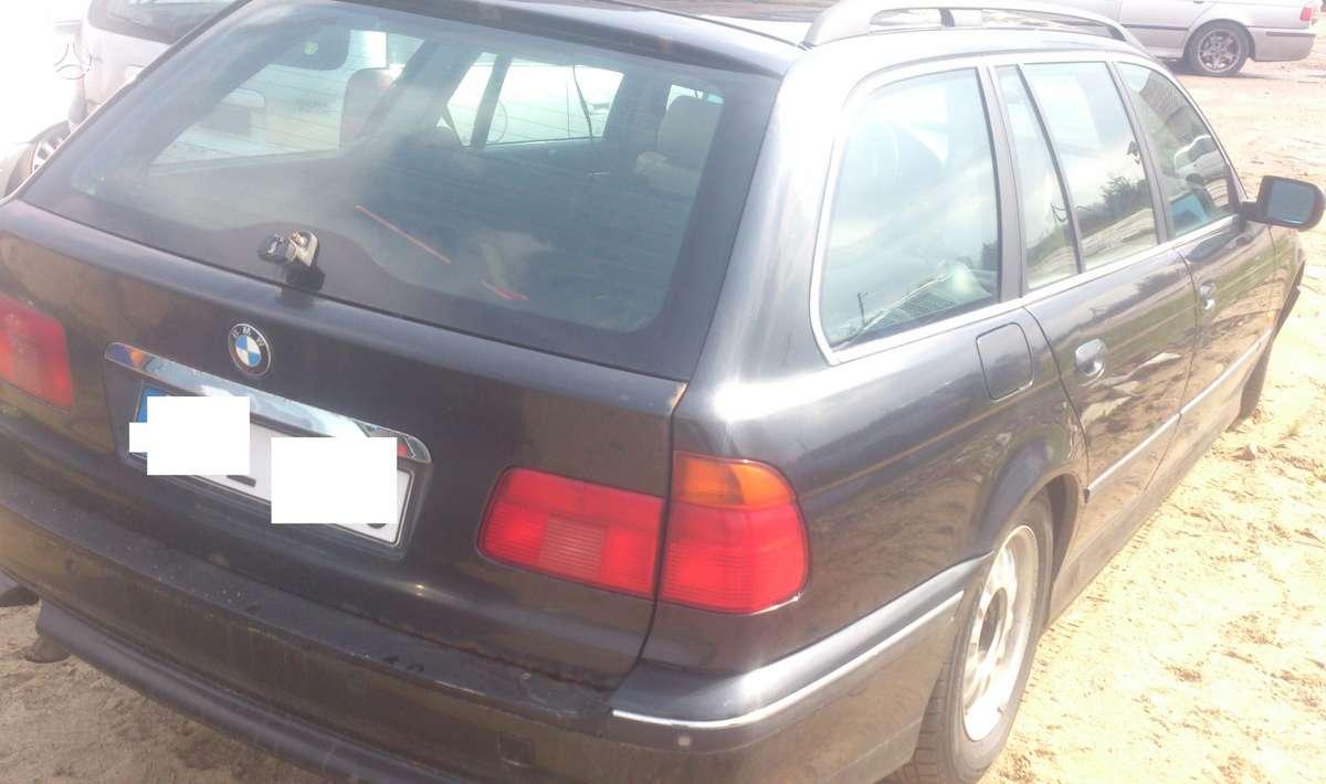 BMW 525 dalimis. Skambinti siais numeriais +37060200711; +