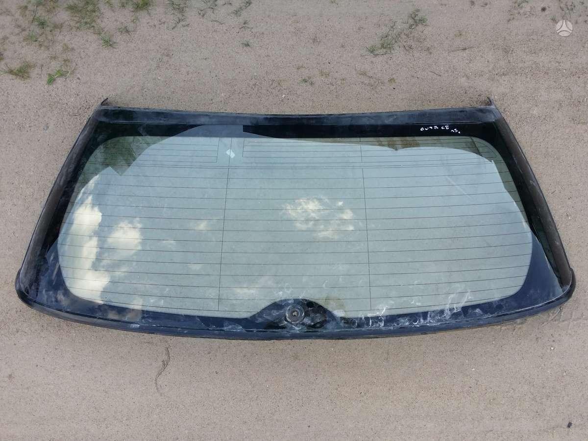 Subaru Outback stiklai, apdailos grotelės