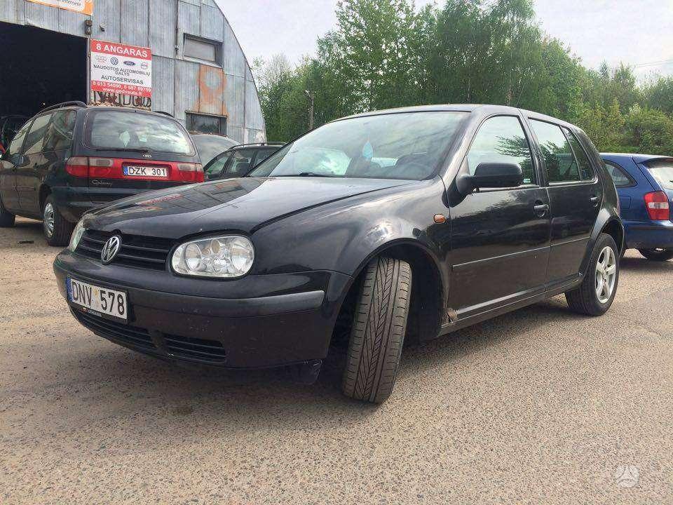 Volkswagen Golf dalimis. Daugiau informacijos telefonu. +