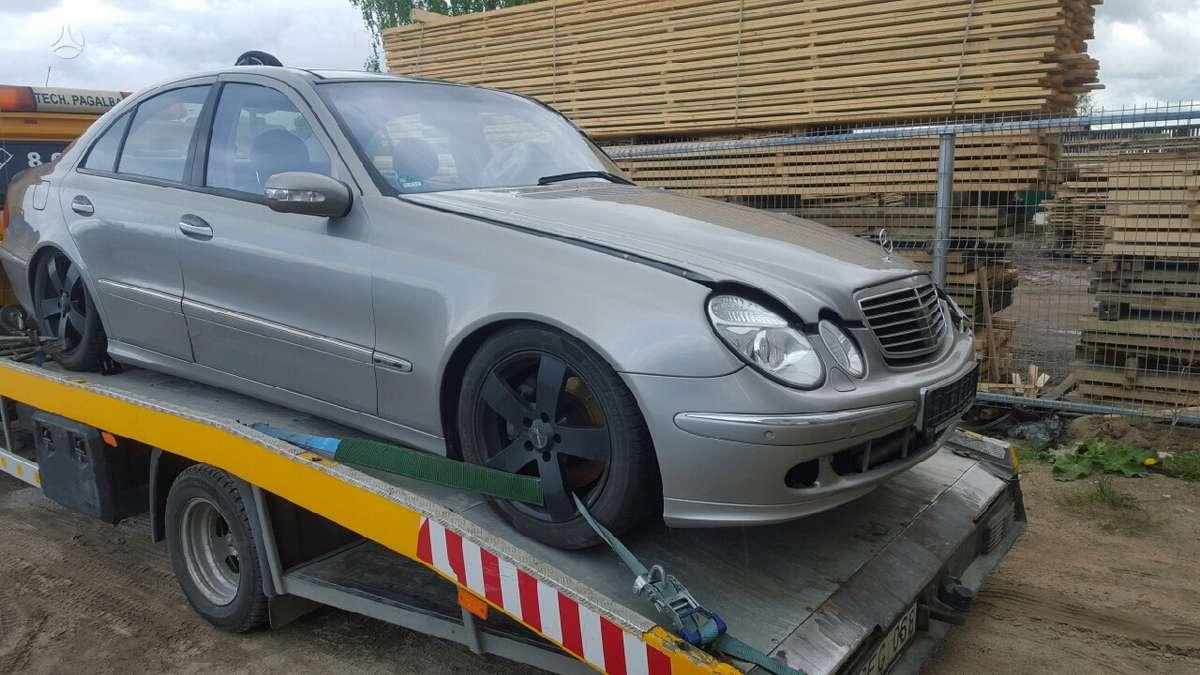 Mercedes-Benz E500. Harman kardon aparatura,airmatic,distronikas