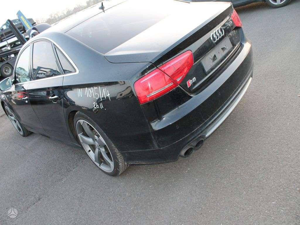 Audi S8 dalimis. Naujai ardomas labai geros būklės automobilis