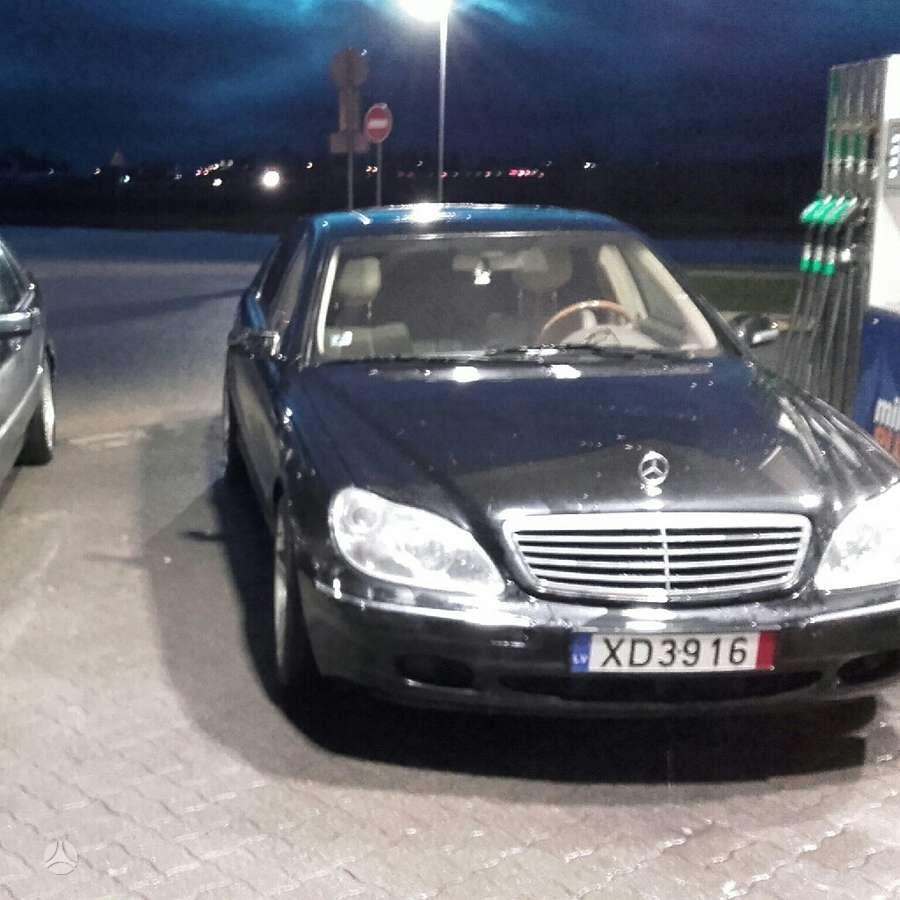 Mercedes-Benz S500 dalimis. Puikios bukles automobilis  longas