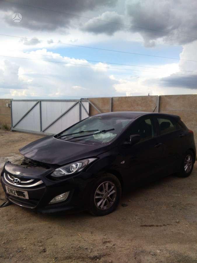 Hyundai i30 dalimis. Prekyba auto dalimis naudotomis europietiš