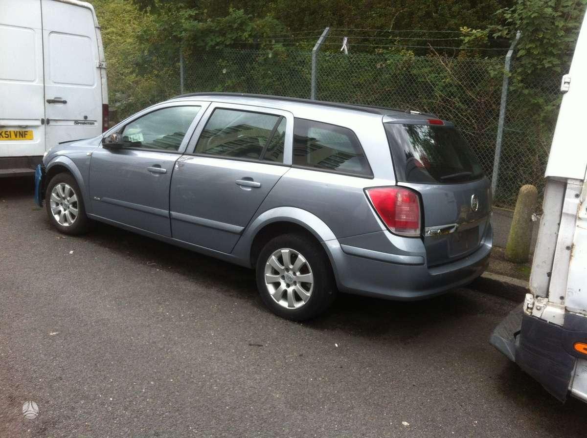 Opel Astra. Yra kitu automobiliu ardymui