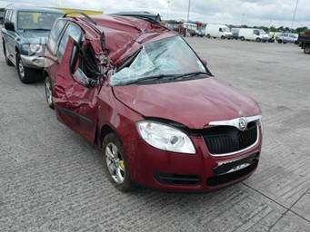 Skoda Roomster. Automobilis is anglijos neseniai pradetas ardyti.