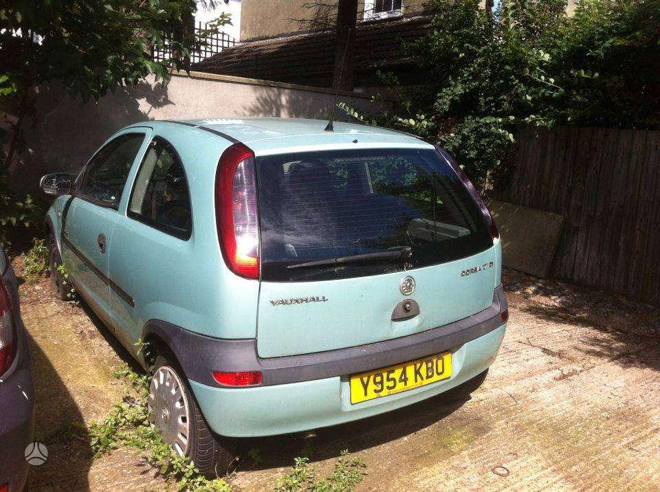 Opel Corsa. Yra ir 1.2 benz