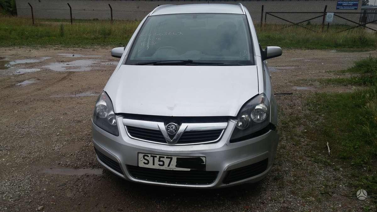 Opel Zafira. Uab