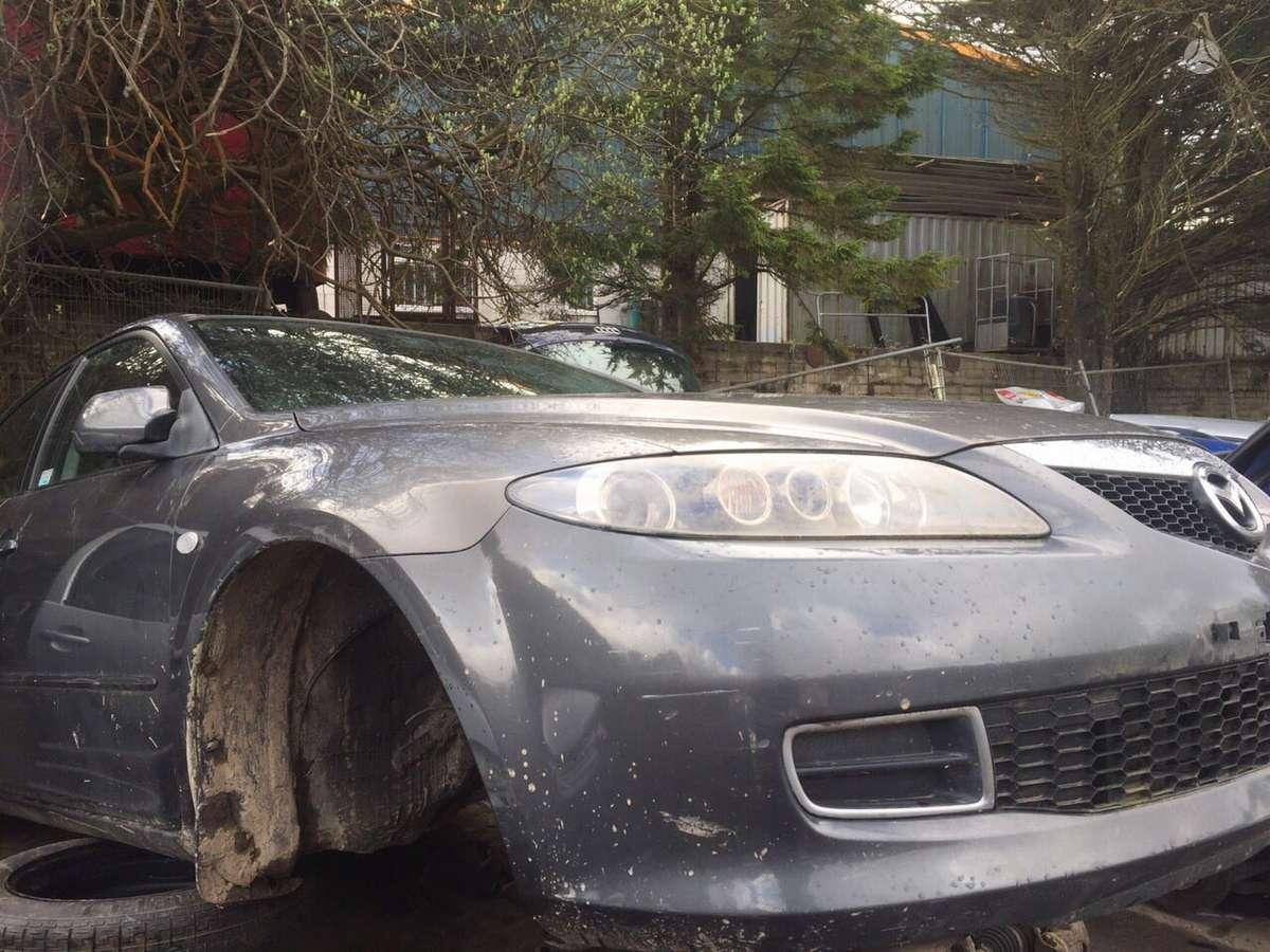 Mazda 6 dalimis. Melyna,  pilka,  sidabrinė mazda 6 sport  2.0