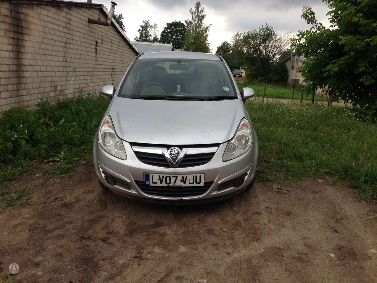 Opel Corsa dalimis