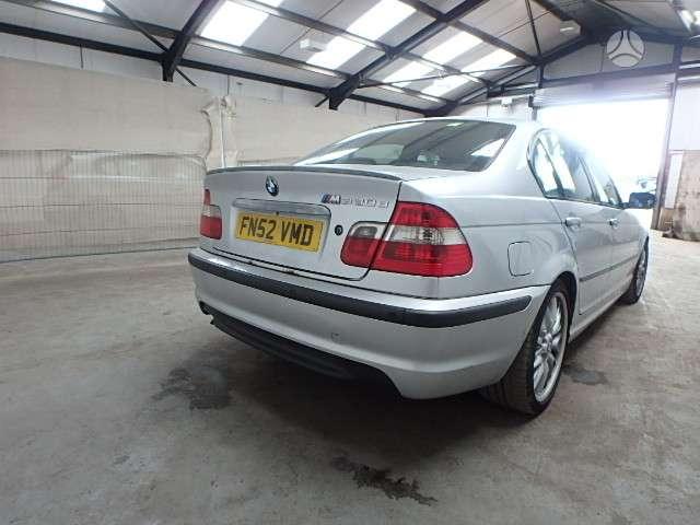 BMW 3 serija dalimis. M paketas, tiek isoreje tiek viduje. yra