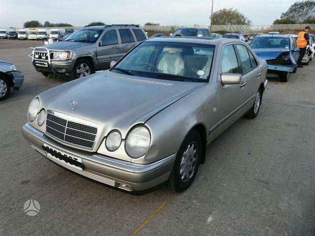 Mercedes-Benz E200. Mb dalims210 e (1997m 2,0tr automatinė pavarų