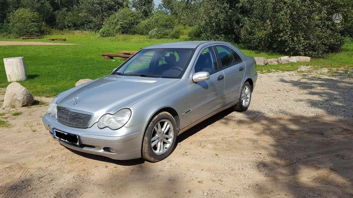 Mercedes-Benz C220, 2.2 l., sedanas