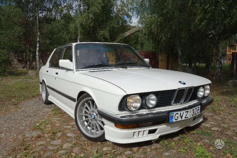 BMW 524, 2.4 l., sedanas