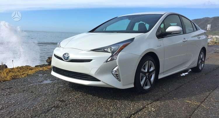 Toyota Prius. Naujų originalių automobilių detalių užsakymai