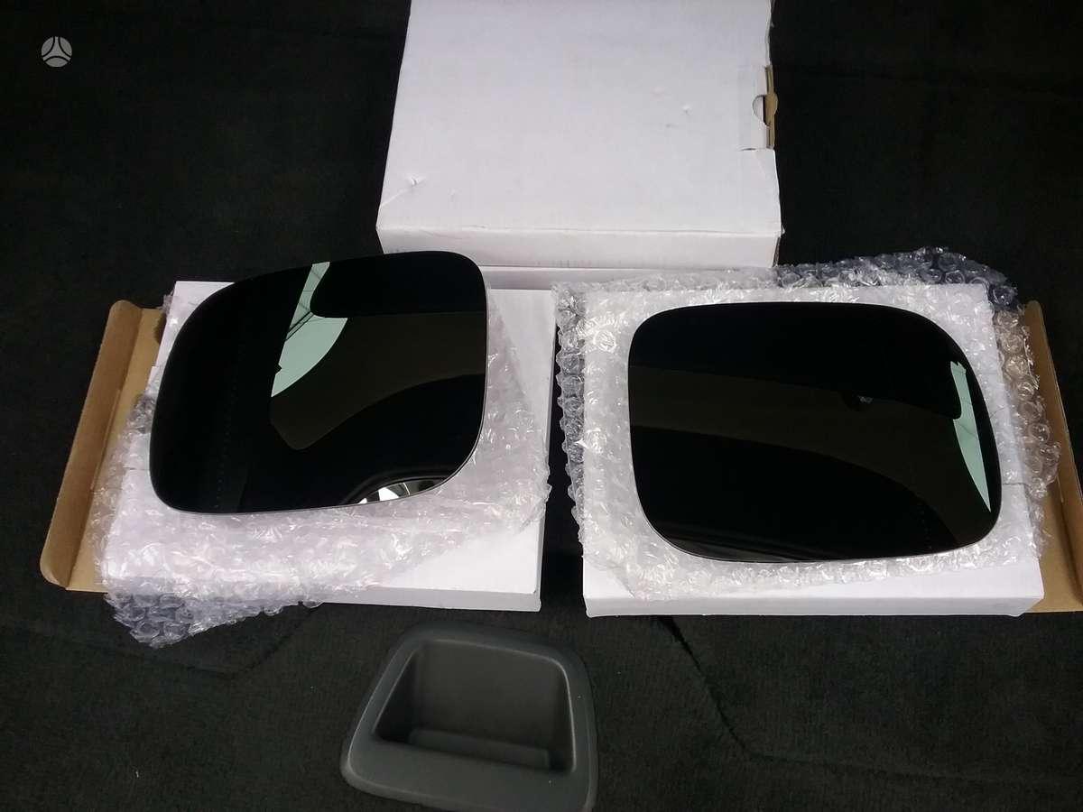 Volvo XC90. Veidrodzio stiklai - desinys, kairys. 45eu/vnt.
