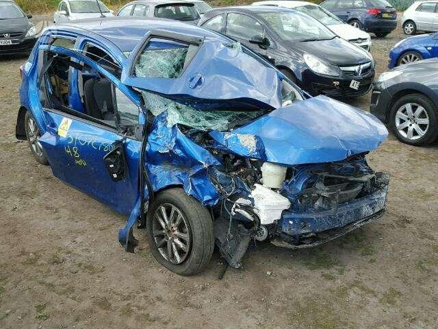 Toyota Yaris. Pristatome automobilių dalis į namus visoje