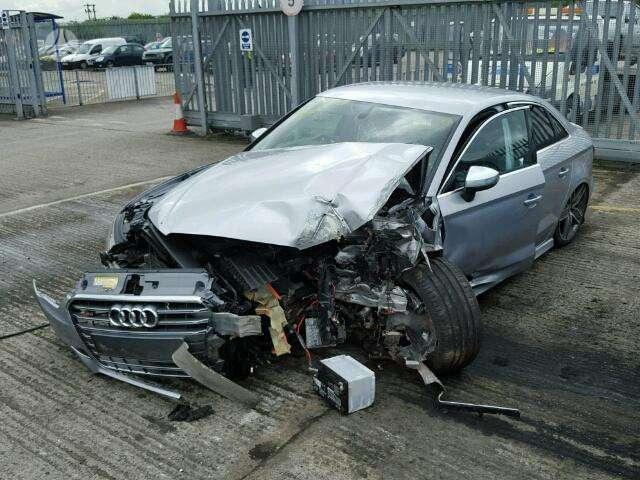 Audi S3. 2.0l tfsi quattro. angliskas automobilis