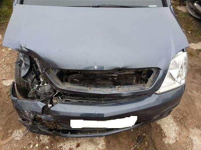 Opel Meriva. Variklio kodas z13dtj pavarų dėžė : 5 bėgių r15