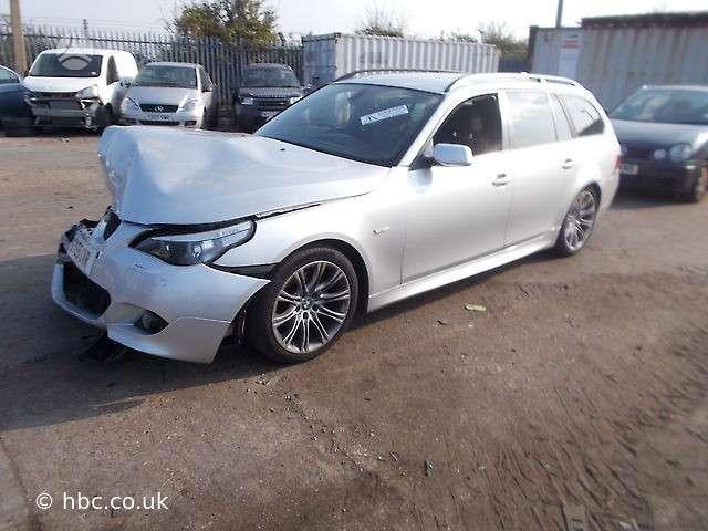 BMW 530. M paketas juodas sport salonas r18 m ratai  galime