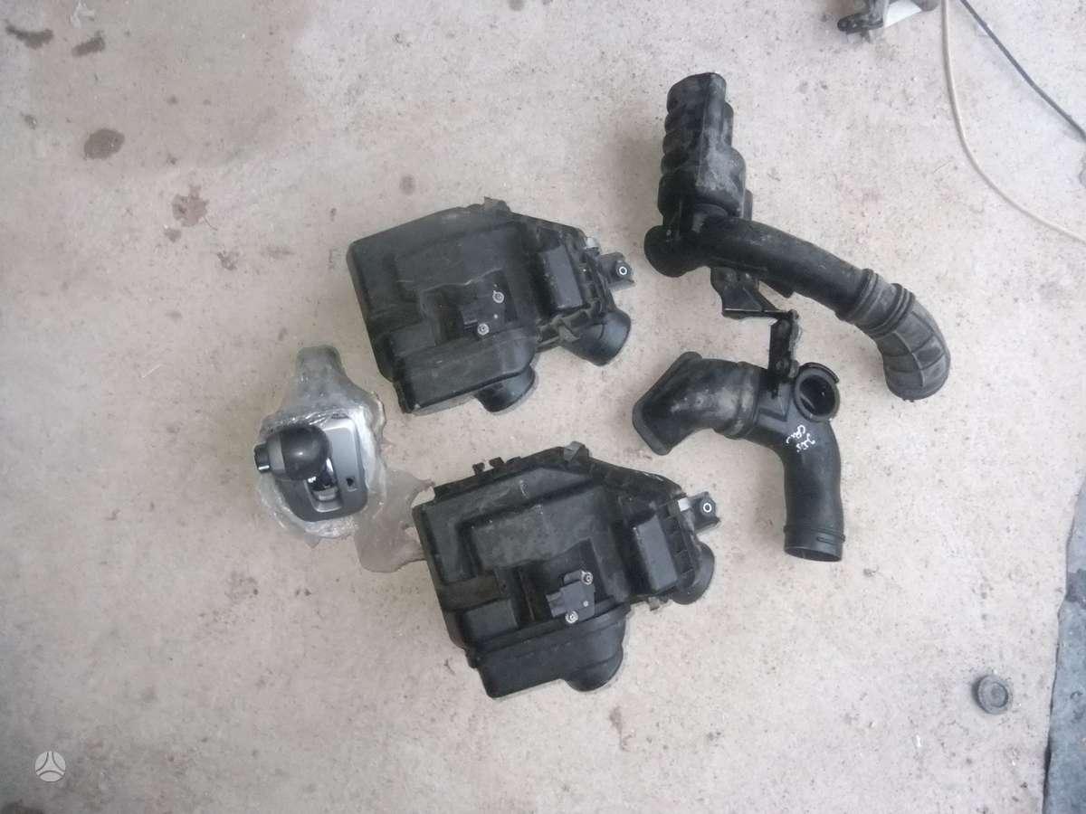 Honda CR-V. Yra variklis  2.0 benzinas  su automatine deze