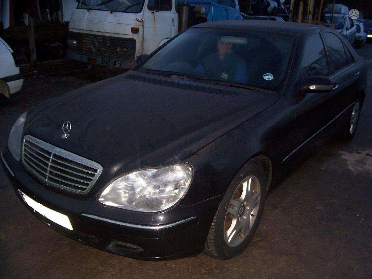 Mercedes-Benz S320. Anglas.