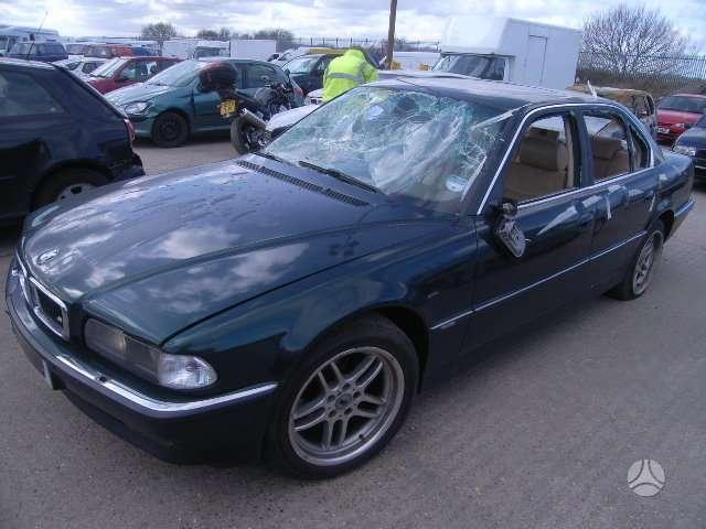 BMW 740 dalimis. Bmw 740 1997m, 4,4 variklis ,automatinė pavarų