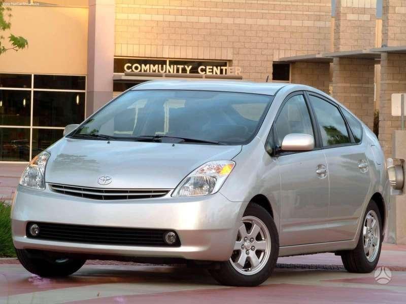 Toyota Prius. Naudotos ir naujos japoniškų ir korėjietiškų