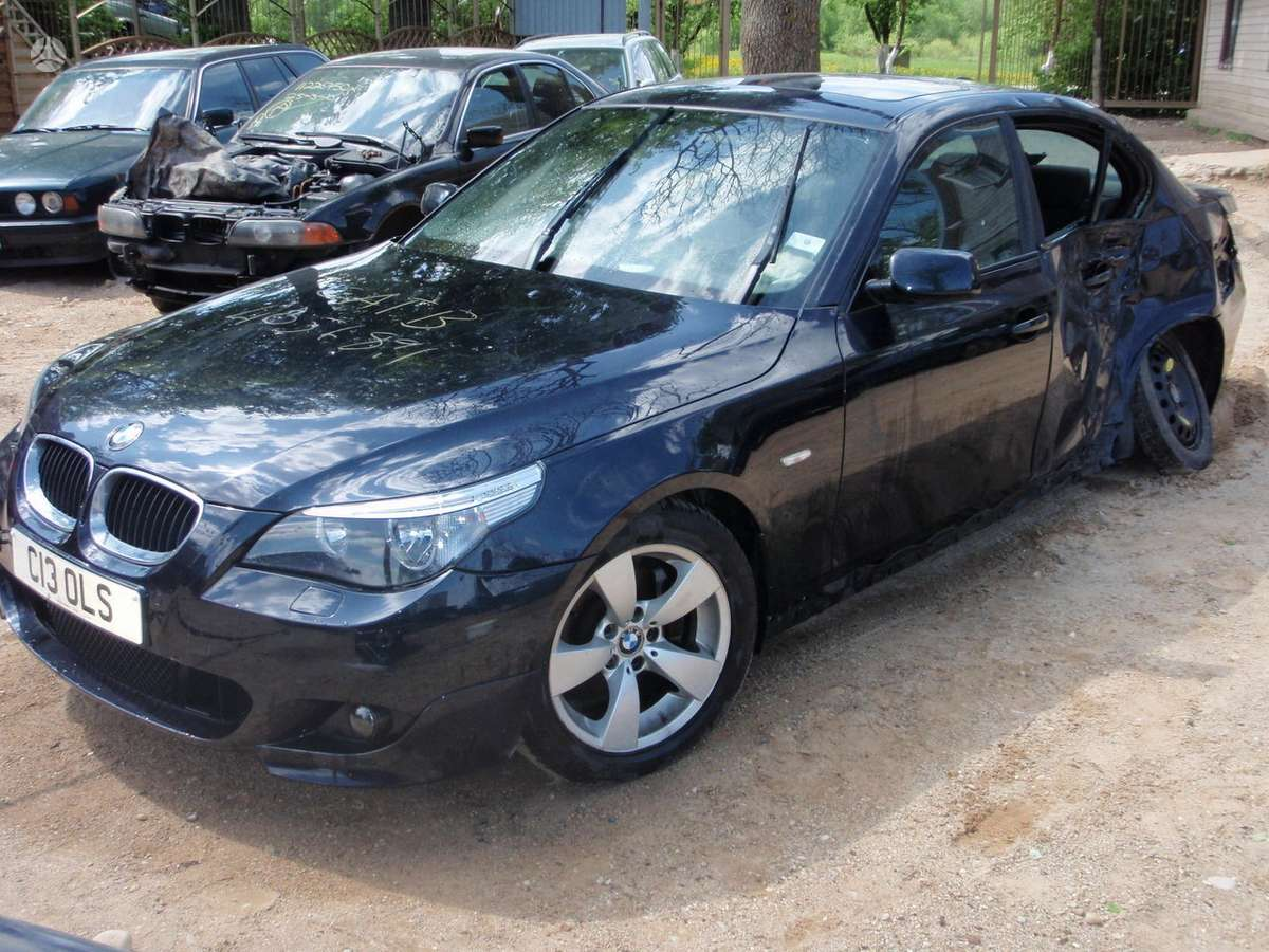 BMW 530 dalimis. Bmw520i 2004m.  bmw525d 2004m. bmw525d