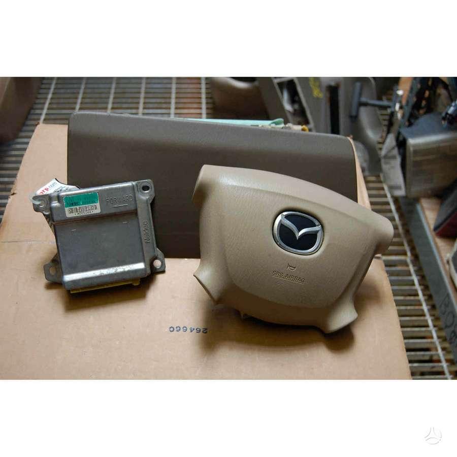 Mazda MPV. Mazda mpv cd player radio model  2000-2001   1m35