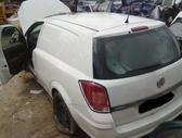Opel Astra dalimis. Superkame defektuotus automobilius euro