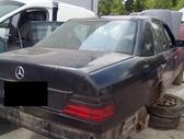 Mercedes-Benz 124 dalimis. Superkame defektuotus automobilius